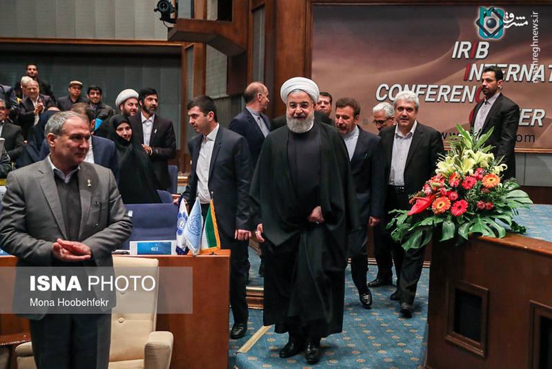 حسن روحانی: دولت باید شرایط مساعد را برای پیشرفت علم و پژوهش در کشور فراهم کند.