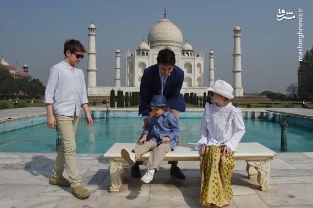 جاستین ترودو نخست وزیر کانادا به همراه سه فرزندش