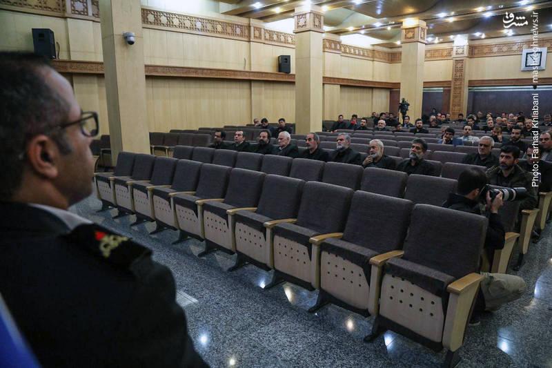 صندلی خالی مسئولان در مراسم چهلم شهدای نفتکش سانچی
