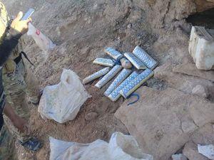 عکس/ کشف جاساز مهمات داعش در کوههای الانبار
