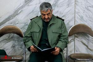عکس/ فرمانده سپاه در مراسم ختم شهدای خیابان  پاسداران