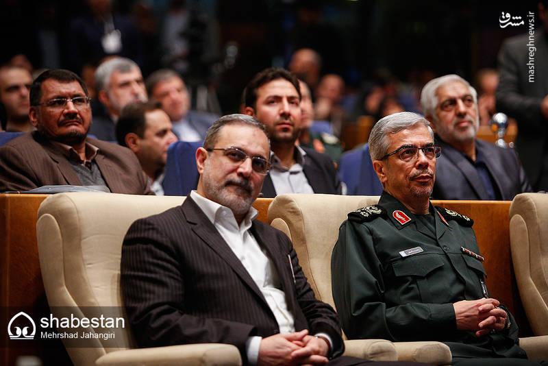 سیدمحمد بطحایی وزیر آموزش و پرورش در کنار سرلشکر باقری رئیس ستاد کل نیروهای مسلح جمهوری اسلامی ایران