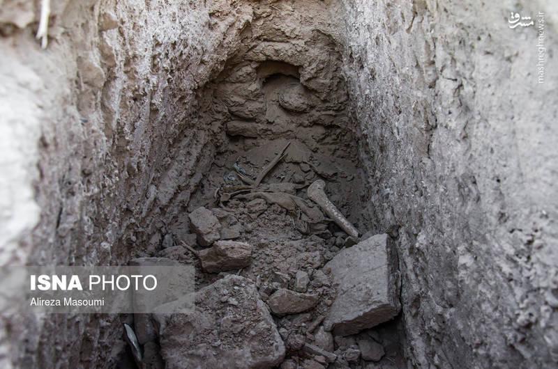 این روستا قبل از زلزله ویرانگر سال ۵۷ دارای آثار تاریخی ارزشمندی بوده است