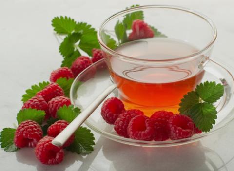 چای میوهای چه بلایی سر دندانهایتان میآورد؟