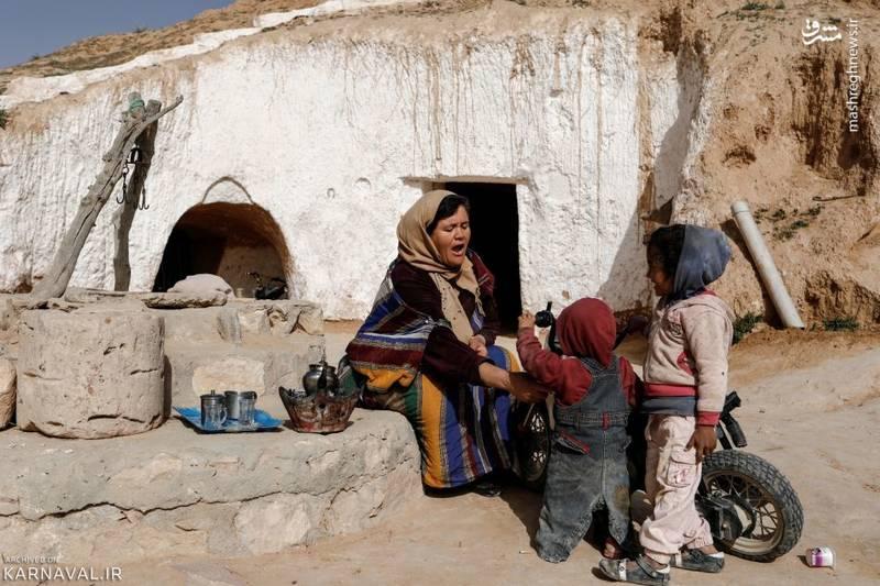 خانه های گوشه ای از زندگی روزمره ساکنان خانه های زیرزمینیتونس