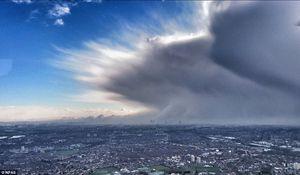 عکس/ ابرهای عجیب در آسمان لندن