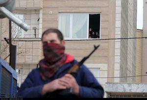 عکس/ بازسازی صحنه حمله مسلحانه در مشهد