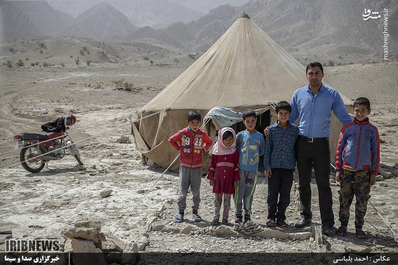 آقای مسعود مقتدری معلم این مدرسه از اهالی شهرستان فراشبند استان فارس است.