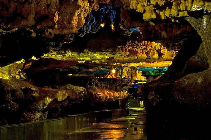 عبور از این غار آبی شگفت انگیز بسیار ساده و آسان است و این همان چیزی است که غار آبی علیصدر را نسبت به بسیاری از غارهای آبی جهان متمایز میکند.