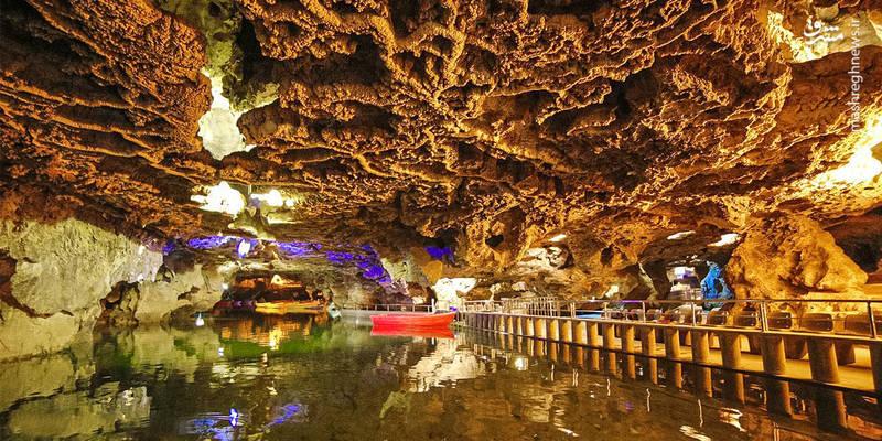 غار علیصدر که ارتفاع آن از سطح دریا ۲۱۰۰ متر است و در شهرستان کبودرآهنگ استان همدان قرار دارد.