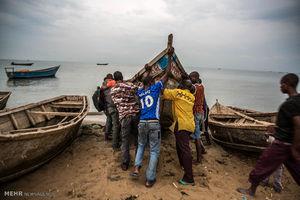عکس/ فرار مردم کنگو به اوگاندا
