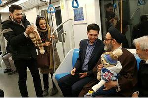 فیلم/ حضور امام جمعه تبریز در مترو