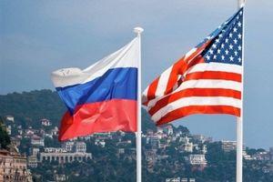 پرچم امریکا و روسیه