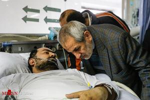عکس/ عیادت دادستان تهران از بسیجی مجروح خیابان پاسداران