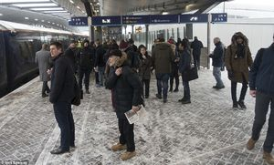 عکس/ مترو لندن در یک روز برفی