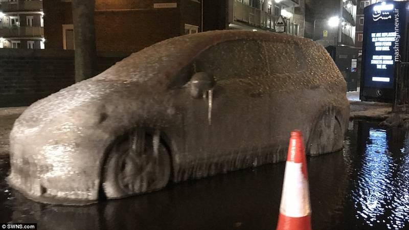 برف و سرمای شدید زندگی را در برخی مناطق انگلیس به شدت با مشکل روبرو کرده است
