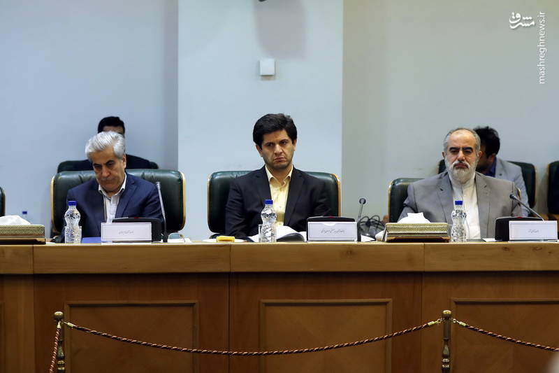 حسن روحانی: در همه شاخص های اقتصادی پیش رفته ایم؛ نقش بانک ها در صنعت، کشاورزی و خدمات محوری است.