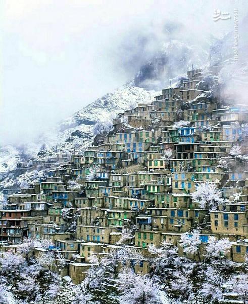 لقب هزار ماسوله را به این دهکده داده شده است. به دلیل این که طراحی و نوع ساخت و ساز خانهها در آنجا به سبک روستای ماسوله است.