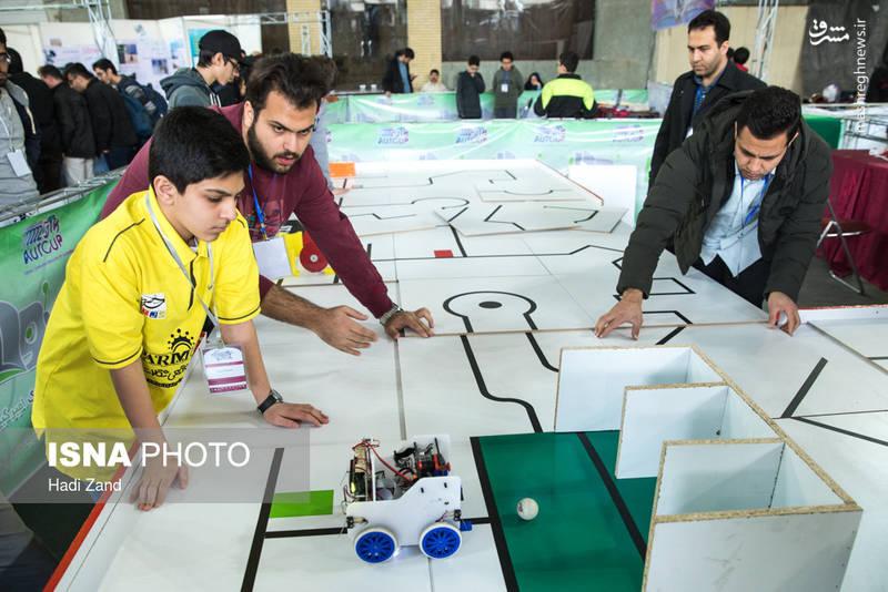 دو بخش دانش آموزی و دانشجویی در این لیگ باعث شده است تا این لیگ به عنوان یکی از رویدادهای مهم و جذاب حوزه رباتیک و هوش مصنوعی قلمداد شود.
