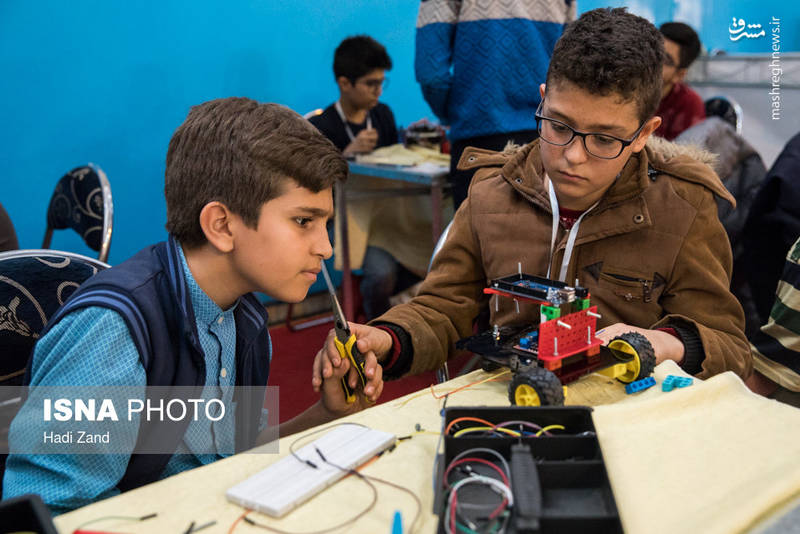 در بخش دانش آموزی برای نخستین بار نگاه به مقوله خلاقیت، نوآوری و فناوری در کودکان و نوجوانان باعث شد تا لیگ خلاقیت در رباتیک با رویکرد موضوعات اساسی کشور مورد توجه قرار گیرد.