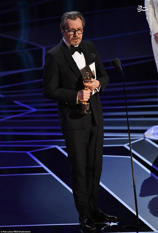 """""""گری اُلدمن"""" برنده اسکار بهترین بازیگر نقش اول مرد برای فیلم  (تاریکترین ساعت)"""
