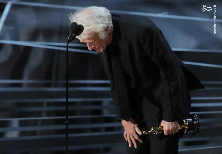 """""""راجر دیکنز"""" برنده اسکار بهترین فیلمبرداری برای فیلم (بلیدرانر ۲۰۴۹)"""