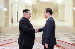 عکس/ دیدار هیأتی از کره جنوبی با «کیم جونگ اون»