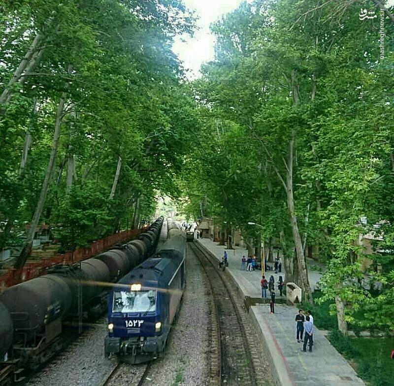 نمایی زیبا از ایستگاه قطار بیشه
