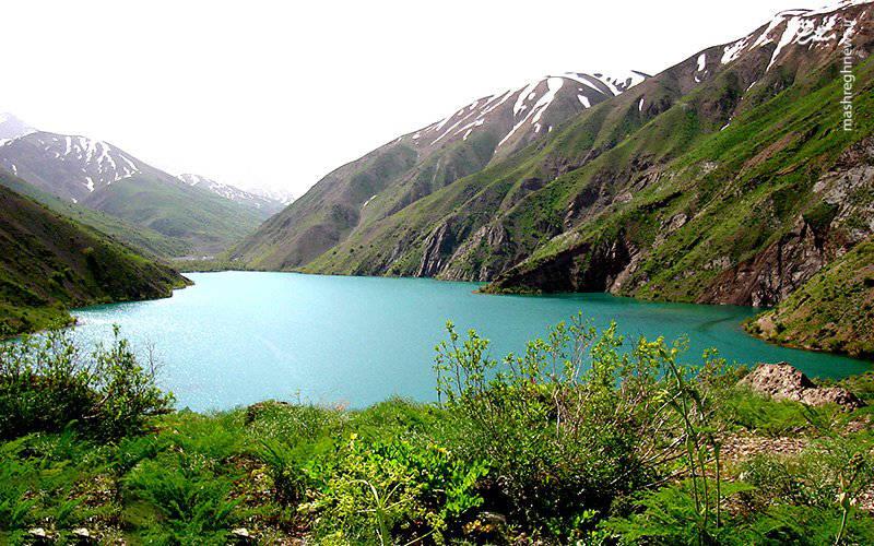 نمایی از دریاچه گهر درود