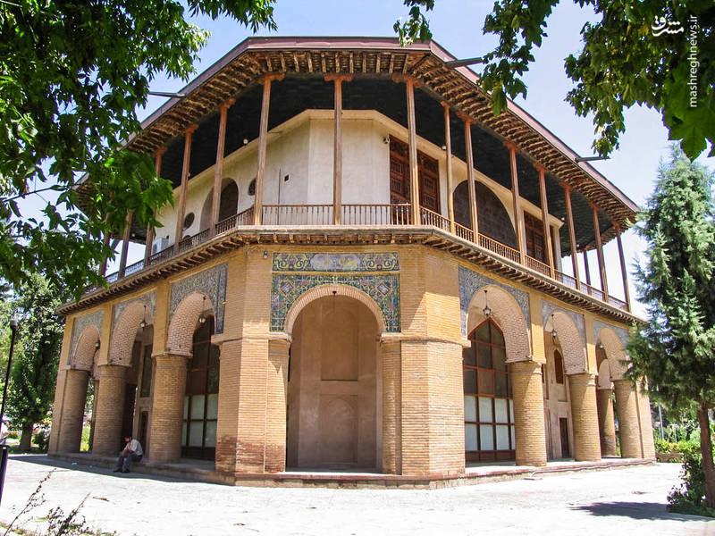 کاخ چهل ستون در مجموعه باغ صفویه قزوین