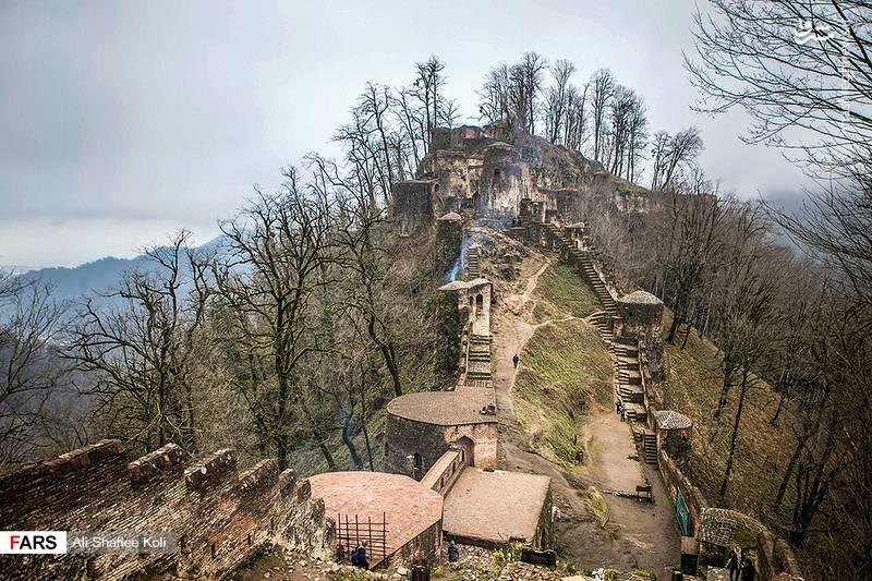 این قلعه با ۲٫۶ هکتار مساحت بر فراز ارتفاعات روستای رودخان قرار دارد.