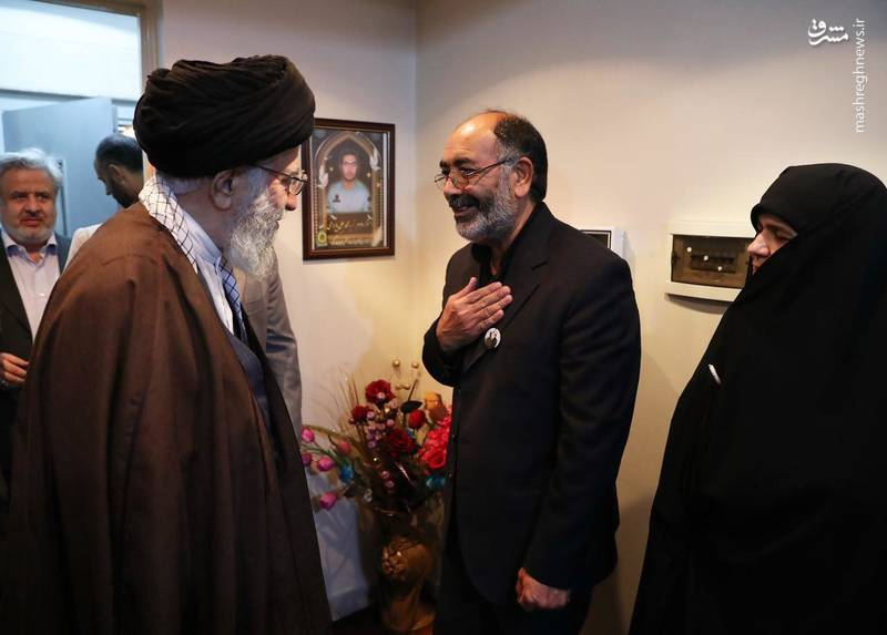 تصویری از ورود رهبرانقلاب به منزل شهید بایرامی  از شهدای  ناجا