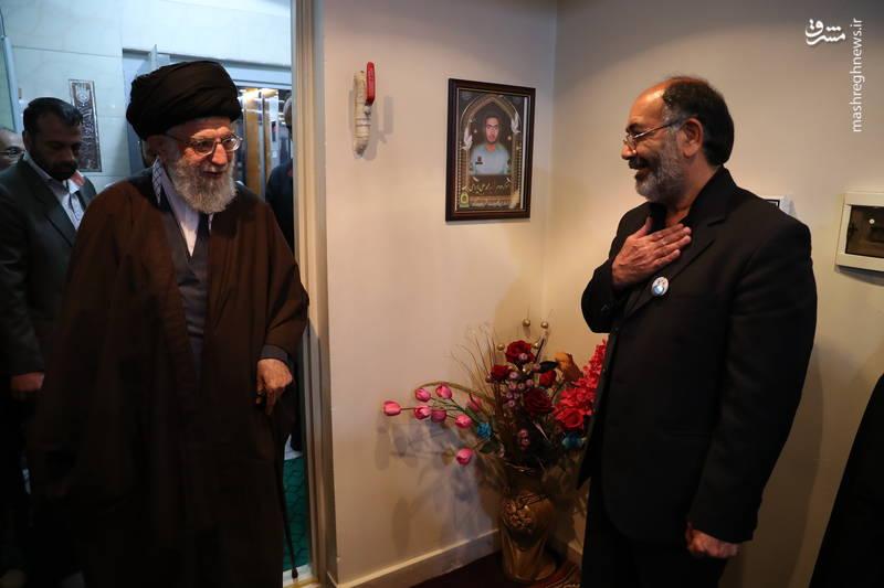حضرت آیتالله خامنهای رهبر انقلاب اسلامی  ۱۶ اسفندماه در منزل شهید محمدعلی بایرامی  از شهدای اغتشاشات اخیر تهران  حضور یافتند