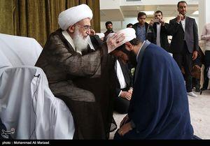 عکس/ عمامهگذاری طلاب به مناسبت ولادت حضرت زهرا (س)