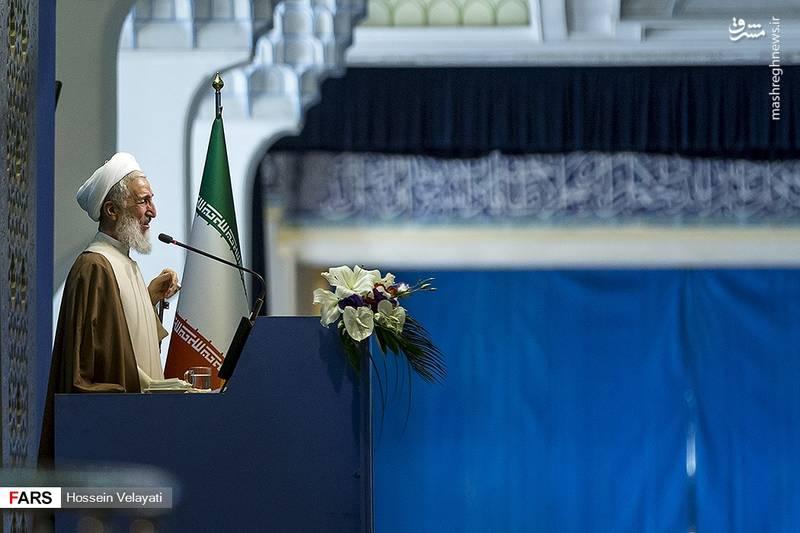 حجت الاسلام صدیقی: زنان ایرانی در معرکه جهاد شهدای زیادی تقدیم کردند و دامانی فقیه پرور، شهید پرور و مدیر پرور دارند و در صحنه های سیاسی و انقلابی دوشادوش مردان مانند حضرت فاطمه زهرا (س) فعالیت می کنند.