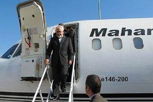 ابراز امیدواری ظریف به گسترش روابط تهران و اسلام آباد