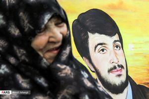 عکس/ دیدار با مادر شهید محمود کاوه