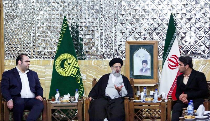 بهداد سلیمی و علی هاشمی قهرمانان وزنه برداری ایران و جهان با حجت الاسلام رئیسی