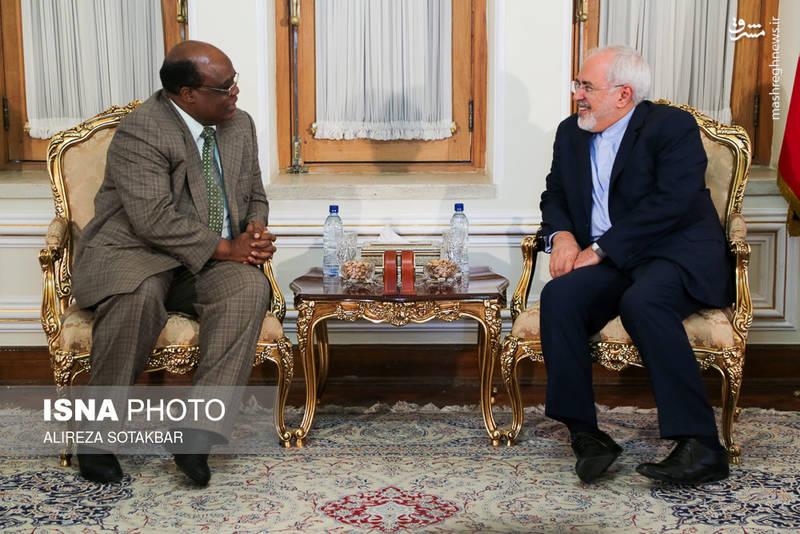 ملاقات خداحافظی سفیر زیمبابوه با محمد جواد ظریف