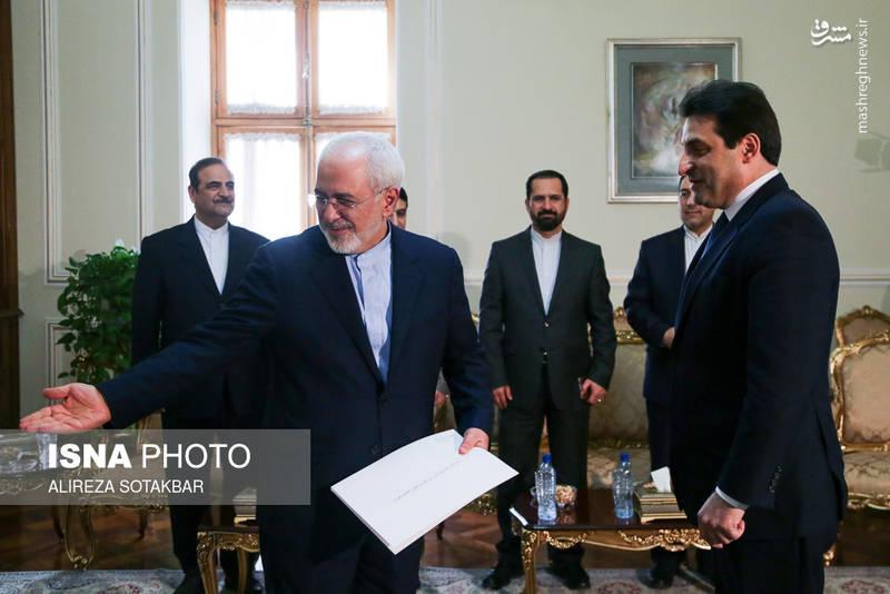 تقدیم رونوشت استوارنامه سفیر جدید لبنان در ایران