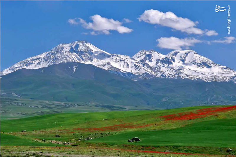 منطقه آلوارس با قرار گرفتن در دامنه کوه سبلان و ارتفاعات سرسبزش، یکی از زیباترین مناطق گردشگری اردبیل است.