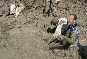 تصویری کمنظیر از عملیات تفحص پیکر شهدا