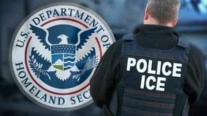 اداره مهاجرت و امور گمرکی آمریکا