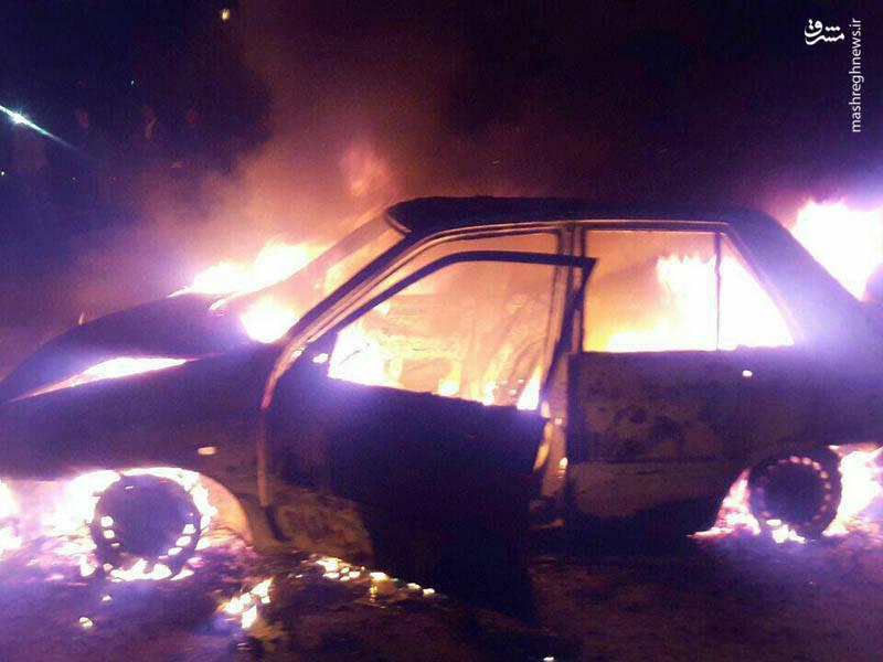 سوختن کامل یک پراید در آتش چهارشنبه سوری