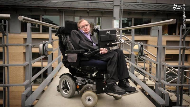 هاوکینگ، فیزیکدان برجسته جهان، بامداد امروز 14 مارس (23 اسفند) در سن 76 سالگی درگذشت.