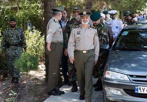 بازدید سرلشکر موسوی از یگان های هجومی نزاجا