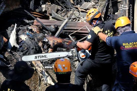 سقوط و برخورد یک هواپیما با منزل مسکونی