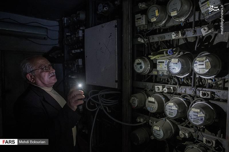 ساختمان پلاسکو بعد از بازار تهران یکی از مهمترین مراکز توزیع پوشاک مردانه در تهران به شمار می رفت