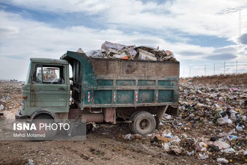 هر شهروند تهرانی به طور متوسط روزانه ۳ نایلون پلاستیکی را وارد چرخه محیط زیست میکند.