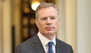«رابرت مکایر» سفیر انگلیس در ایران کیست و چه مأموریتی دارد؟ +عکس و فیلم